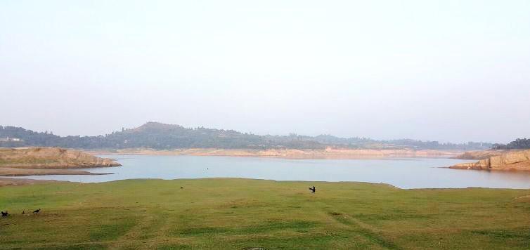 ranjit sagar dam lake