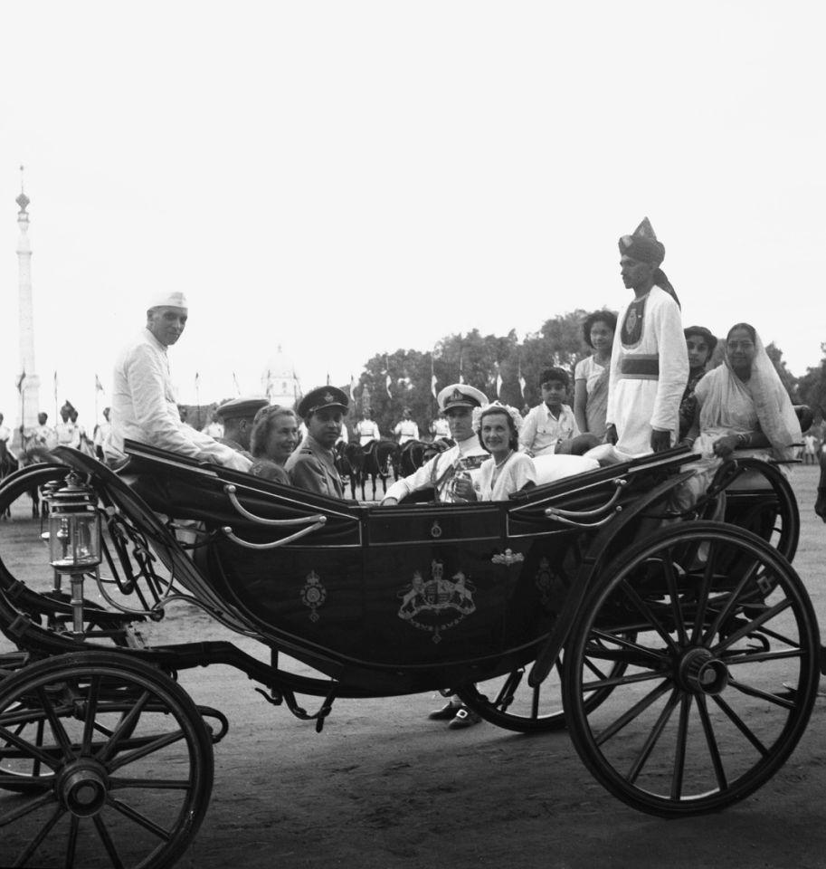 c rajagopalachari essay Chakravarti rajagopalachari (lahir 10 desember 1878 – meninggal 25 desember 1972 pada umur 94 tahun), secara tidak resmi dipanggil rajaji atau cr, adalah pengacara, aktivis kemerdekaan.