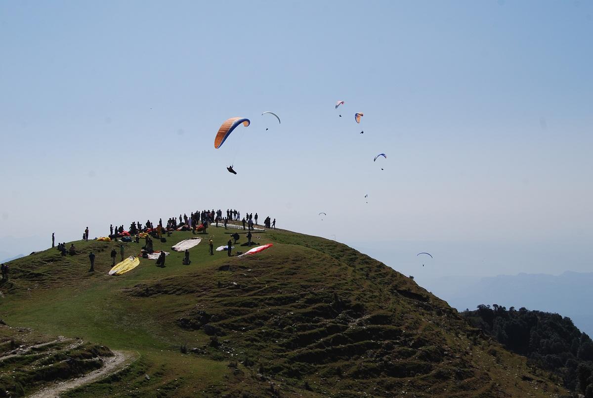 Bir Billing Paragliding Camping Trekking Himachal Pradesh