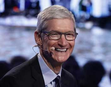 Apple CEO Tim Cook Gets $102 Million Payout in 2017 After Earnings Rebound