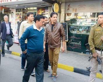 CM Kejriwal Goes Market Hopping Against MCD Sealing Drive