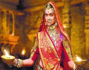 ऐतिहासिक फिल्मों से मुंह मोड़ने लगी दीपिका पादुकोण