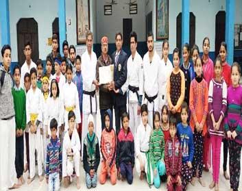कराटे डू एसोसिएशन ने आयोजित किया