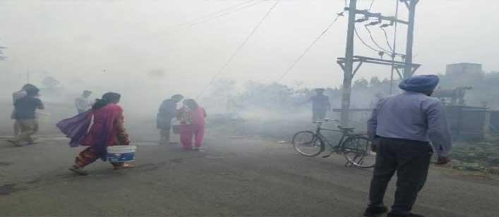 शाहपुरकंडी में आग से 600 पेड़ जले