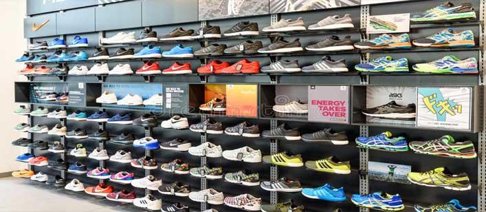 Paras Footwears