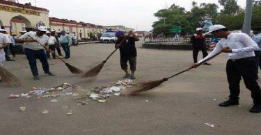 रेलवे अधिकारियों ने स्वच्छता अभियान से जुड़ने को किया प्रेरित