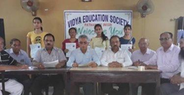 40 विद्यार्थियों को दिए लर्निग ड्राइ¨वग लाइसेंस