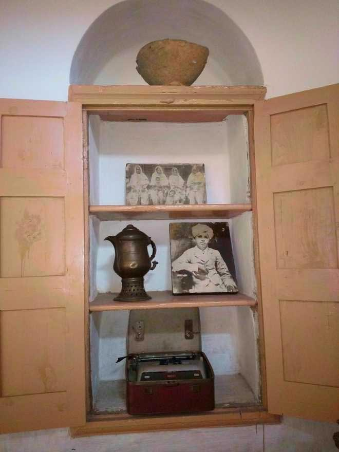 Colonial Items at Khatkar Kalan house