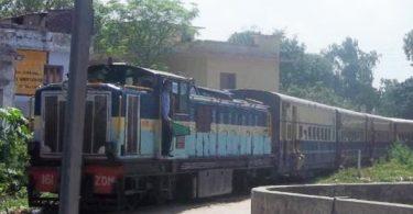 यात्रीगण सायं 5:50 पर पहुंचे स्टेशन, पठानकोट-ज्वालामुखी ट्रेन जाने को तैयार
