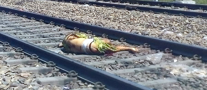 suicide-in-front-of-train