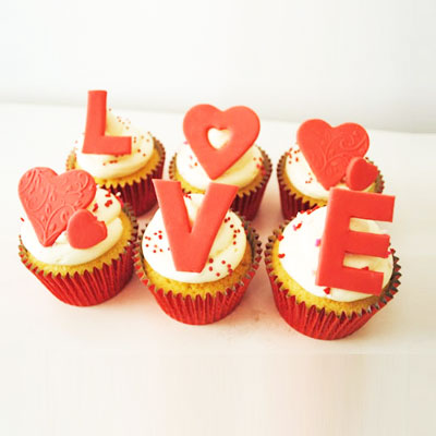 Love Cup Cakes Eggless