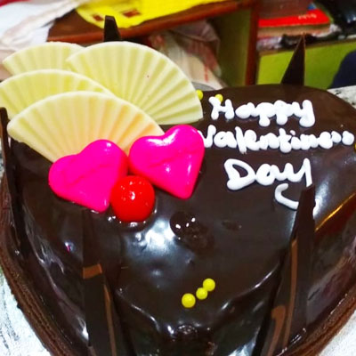Chocolate Heart Cake Pink 1kg Eggless